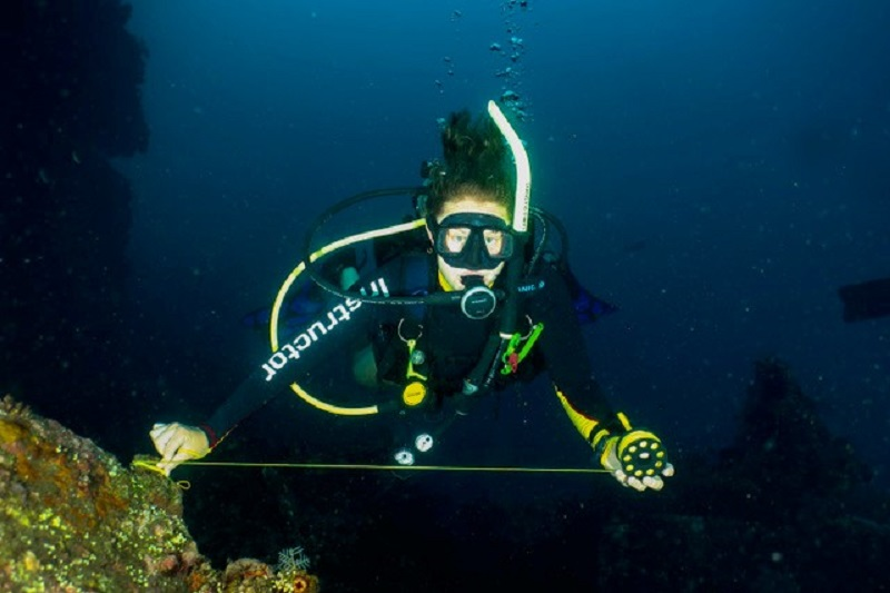 PADI Advanced Open Water Course - crystal Divers - Bali (4)